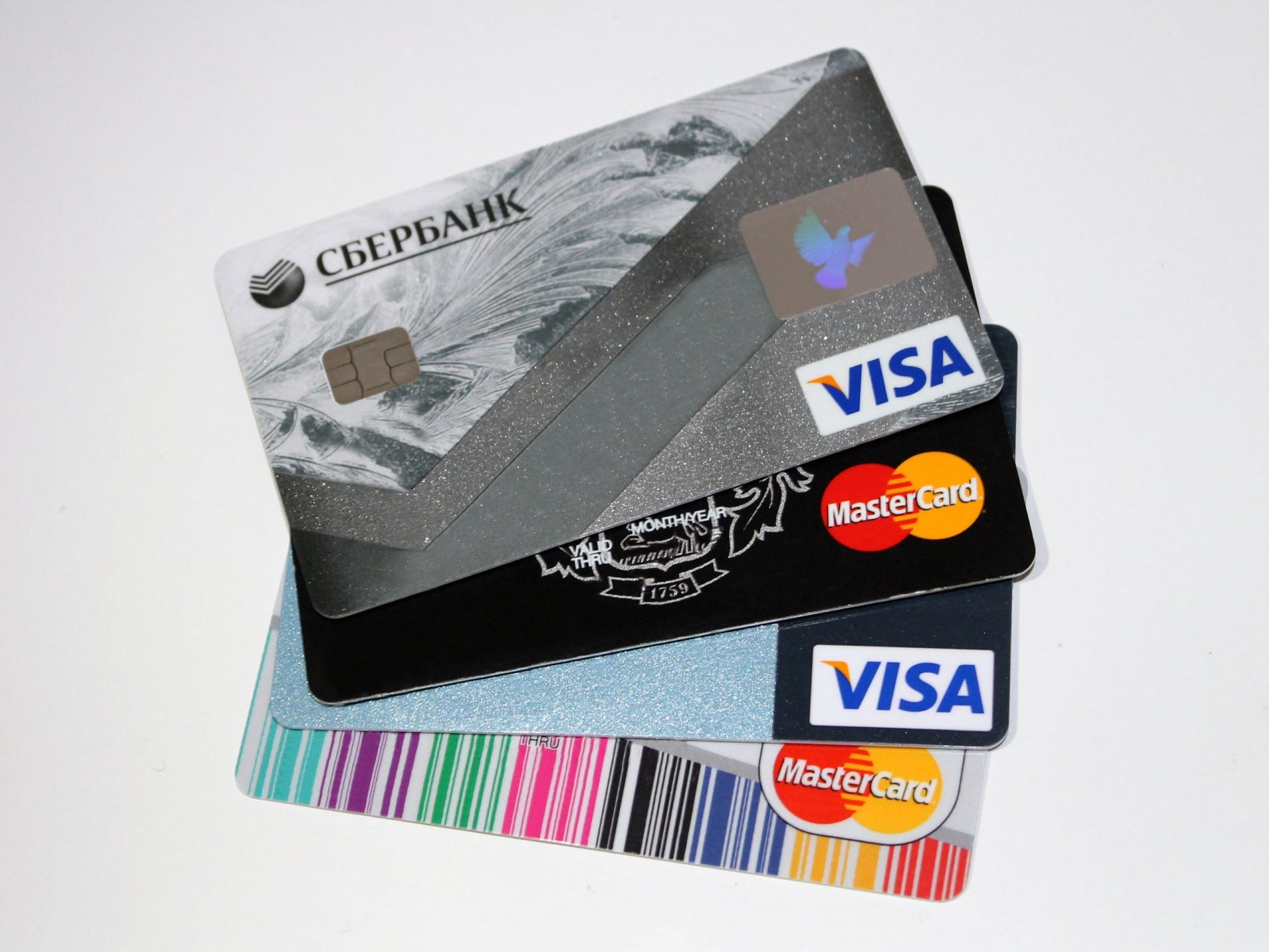 An image of Visa and Master Card credit cards